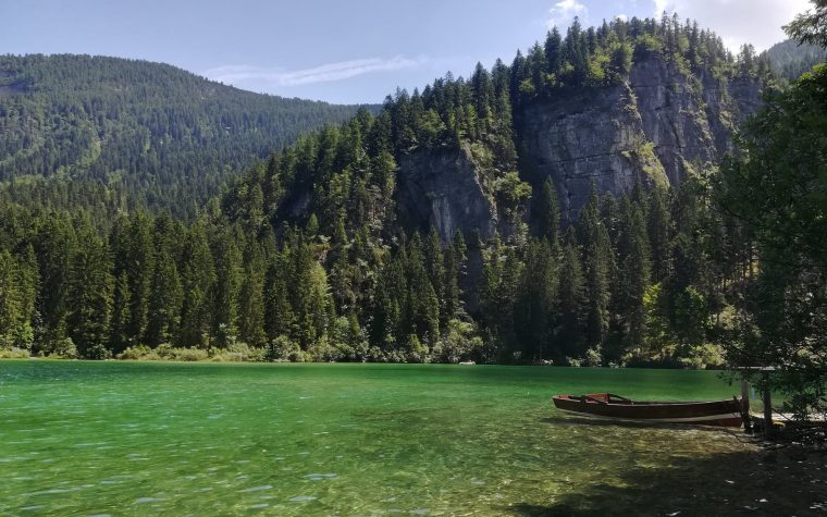 Il lago di Tovel: un lago da fiaba